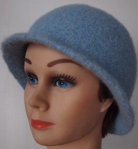 Basic felted hat with brim