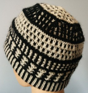 Black and white sampler-side view